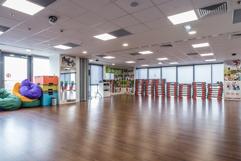 24 Fit Club By Herbalife Decor Floor Romania